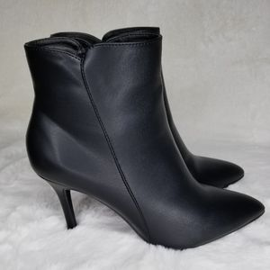 BLACK BOOTS BOOTIES COMFORTABLE TIMELESS